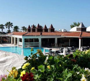 Pool vom Restaurant gesehen Club Aldiana Side (Vorgänger-Hotel – existiert nicht mehr)