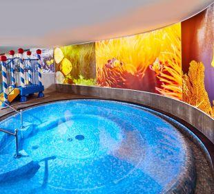 Whirlpool im Family-Spa Hotel Feldhof
