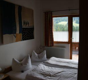 Eines der Schlafzimmer Landhaus Wildschütz