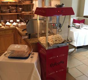 Popcornmaschine beim Frühstück  Luxury DolceVita Resort Preidlhof