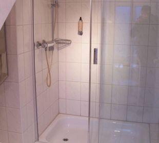 Dusche im Bad KurparkHotel Warnemünde