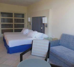 Schlafcouch und Betten Hotel H10 Tindaya