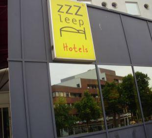 Hotel-Eingang Hotel Zleep Hamburg City