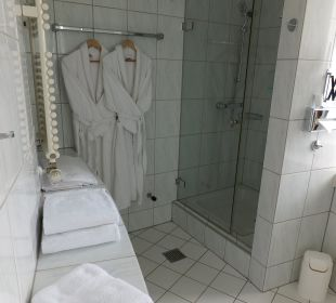 Bad der Turmsuite Hotel Meerane