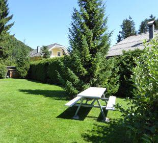 1. Sitzplatz im großen Garten Haus Madlein