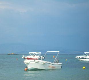 Boote am Bootssteg Hotel Livadi Nafsika