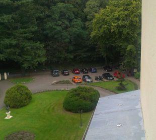Blick zum Parkplatz Schlosshotel Ralswiek