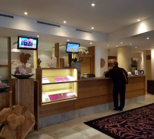 Reception Hotel Gabriela