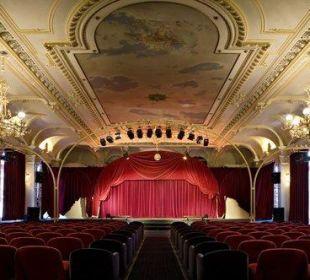 Theatre Hotel Reine Victoria by Laudinella