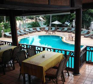 Früh am Morgen. Hotel Coral Cove Chalet