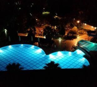 Pool beleuchtet  Lycus Beach Hotel