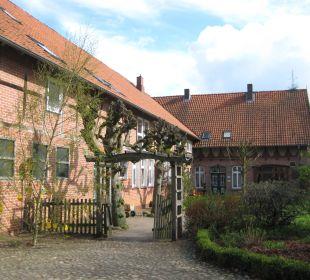 Rezeption und altes Gebäude Familotel Landhaus Averbeck