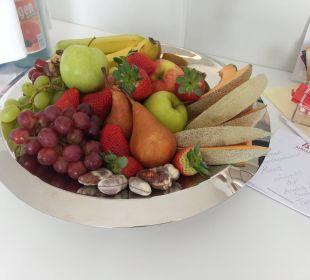 Obstkorb mit Schoki Amedia Luxury Suites Graz
