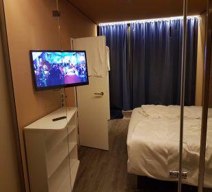 Blick von der Badewanne a-ja Warnemünde. Das Resort.