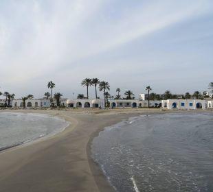Blick auf die Strandbungalows Royal Lido Resort & Spa