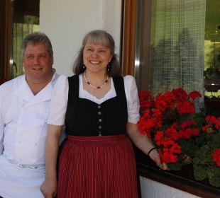 Ihre Gastwirte Mathilde und Georg Villgrattner Naturpark Hotel Stefaner