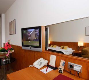 Guest Room K+K Hotel Opera