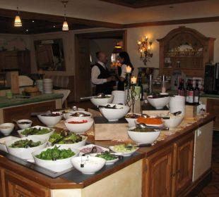 Das Buffet war immer sehr reichlich und gut. Hotel Alpin Spa Tuxerhof