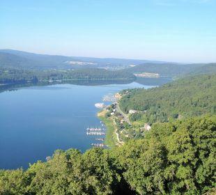 Blick über den See Hotel Schloss Waldeck