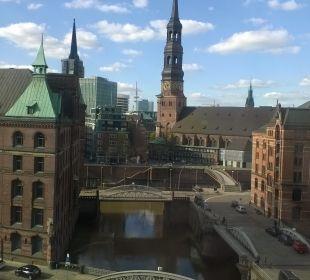Ausblick AMERON Hotel Speicherstadt Hamburg