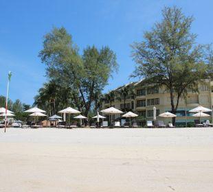 Hotelanlage vom Strand Hotel Tanjung Rhu Resort