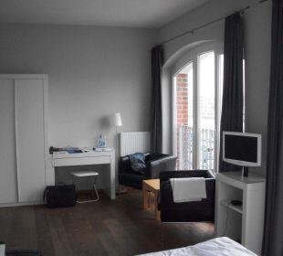 Zimmer mit Sitzgruppe im-jaich boardinghouse bremerhaven