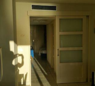 Blick vom Wohnbereich Richtung Schlafzimmer Hotel H10 Tindaya