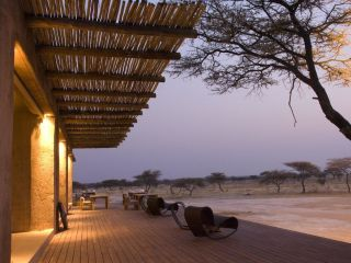Onguma Game Reserve - The Fort Plains Camp
