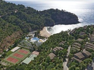 Giverola Resort