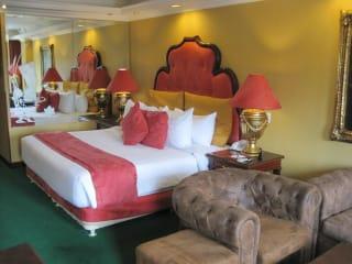Angeles Beach Club Hotel