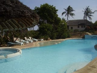 Maweni & Capricho Beach Cottages
