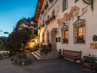 Hotel Strasserwirt Herrenansitz zu Tirol