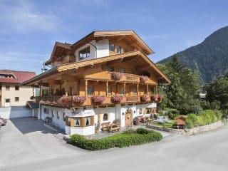 Hotel Margit