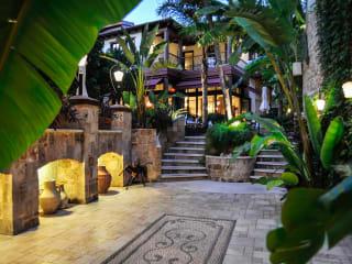 Hotel Tuvana