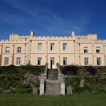 B&B Pentillie Castle & Estate