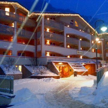 Al Sole Club Residence