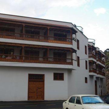 Tapahuga Apartments