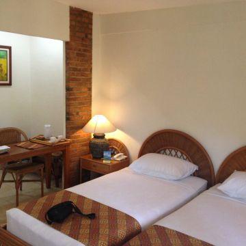 Hotel Deli River & Omlandia