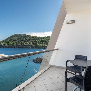 Hotel Angra Marina