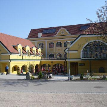 Hotel Weingut Rossatz 8
