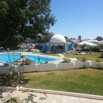 Hotel Zenith, Kinza & Anais