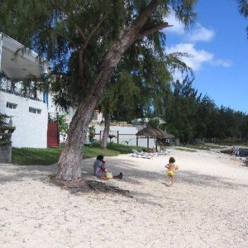 Hotel Oasis Beach Club