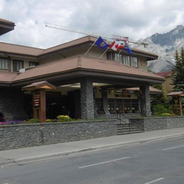 Hotel Banff International