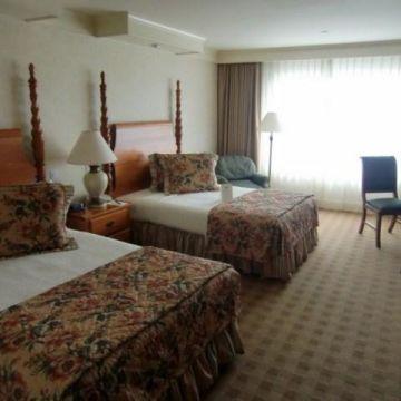 Bay Landing Airport Hotel