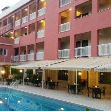 Hotel Oassis