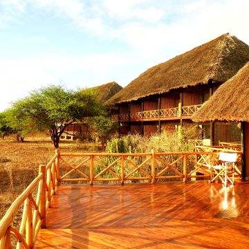 Hotel Ngutuni Safari Lodge Game Sanctuary