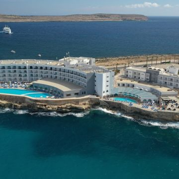 Paradise Bay Resort Hotel
