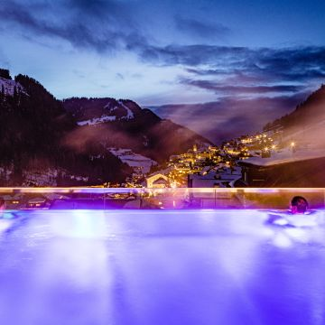Hotel Touring - Happiness in the Dolomites