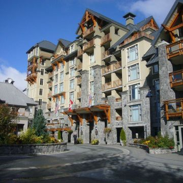 Hotel Pan Pacific Whistler Village Center