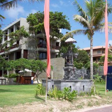Hotel Oasis Beach Resort & Spa